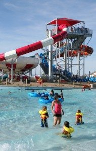 World's Largest Swimming Lesson at Wet'n'Wild